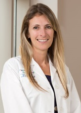 Dr. Elena Aragona is a pediatric hospitalist in Boston at Tufts Medical Center.